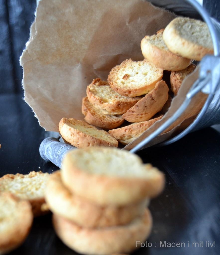 Koldskål og hjemmebagte kammerjunkere med vanille…