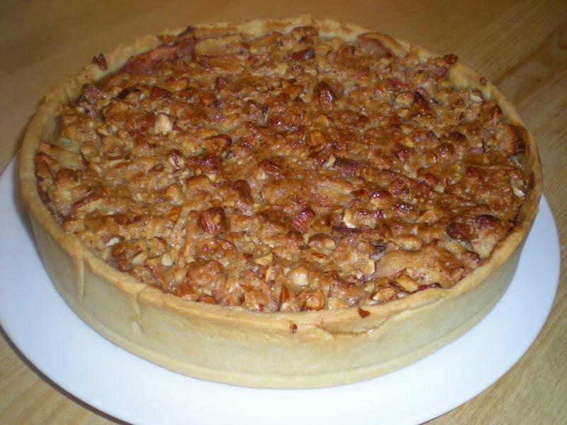 Æbletærte med mazarin, karamel og mandler…