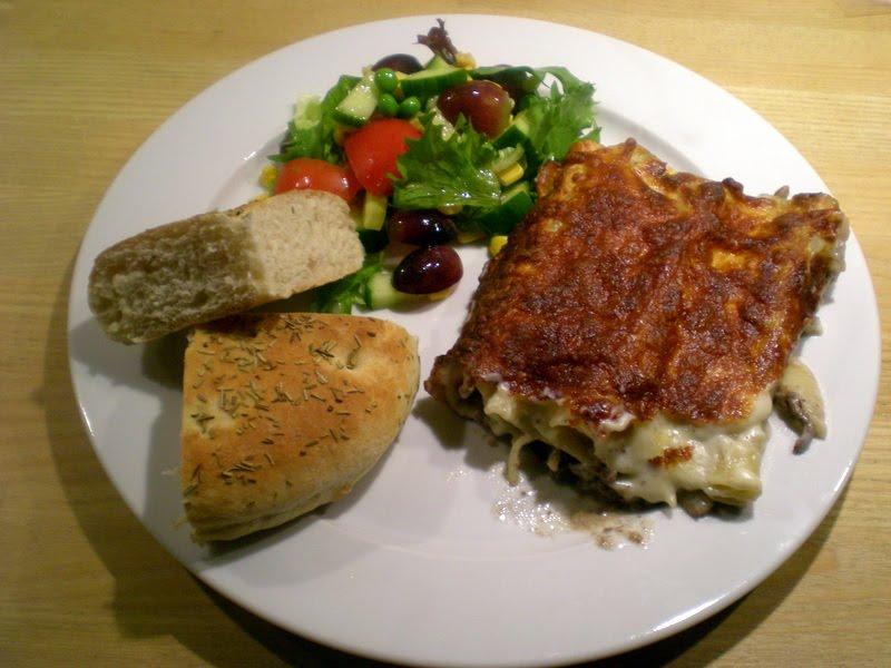 Cannelloni med oksekød, champignons, rødvin og timian…