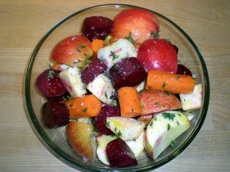 Mørbrad i fad med bagte rodfrugter og kartoffelmos…