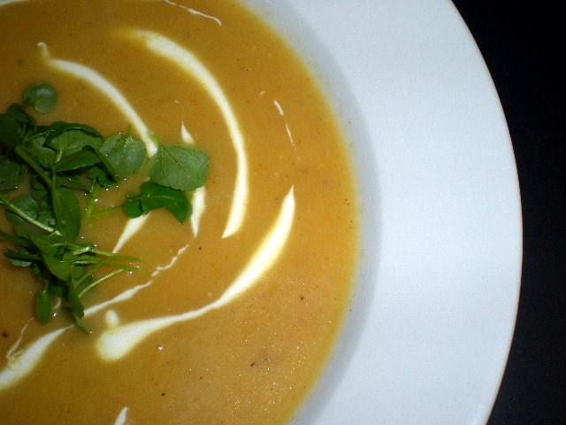 Gulerodssuppe med jordskokker…