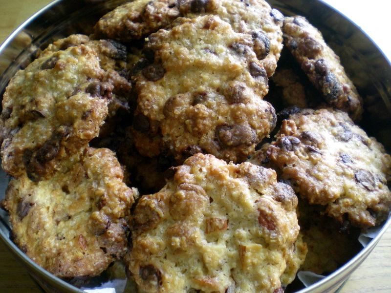 Cookies med 2 slags chokolade og mandler…