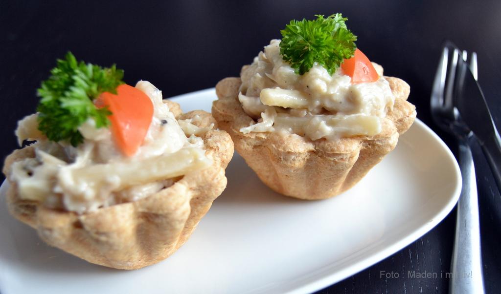 Tarteletter med høns og nye danske asparges…