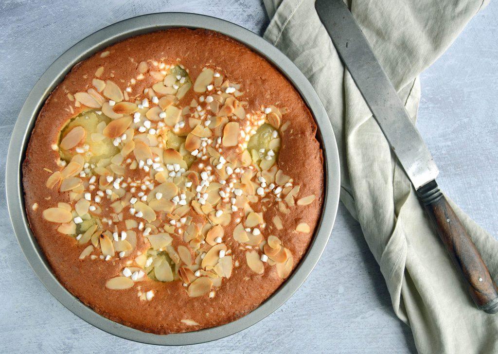 Pærekage – opskrift på lækker kage med pærer.