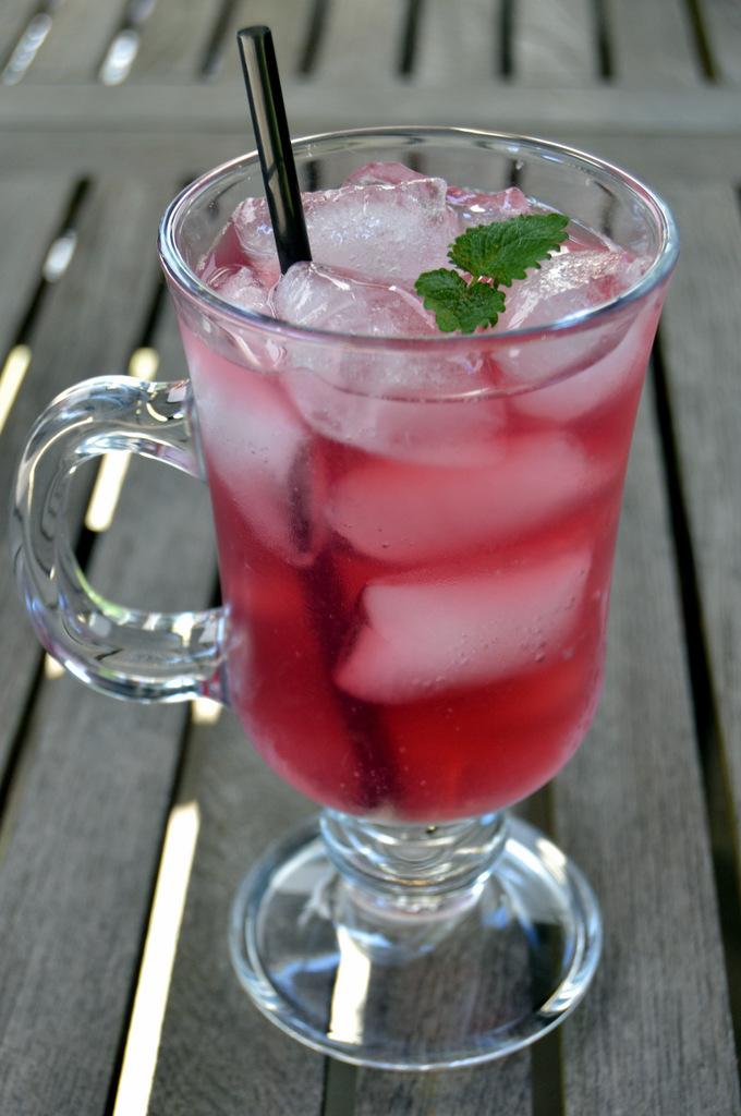 Kirsebærsaft – den lækreste sommersaft…
