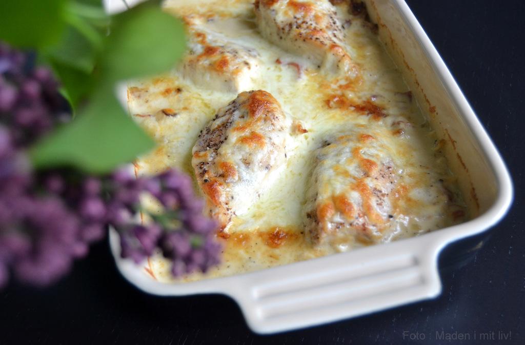 Kylling i fløde og hvidvinssauce…