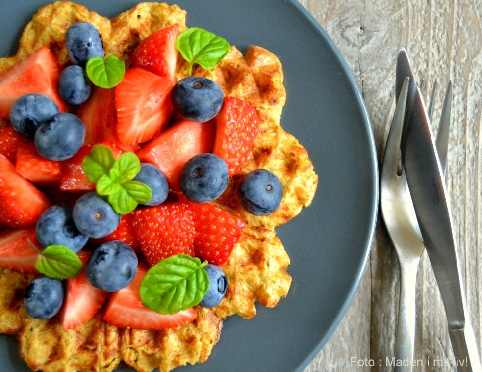 Lækre morgenmadsvafler med frugt…
