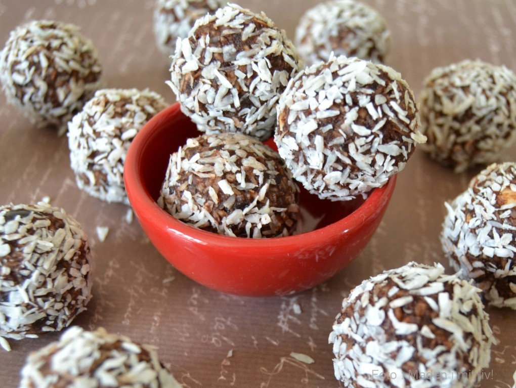 8. december – kokoskugler med dadler og mandler…
