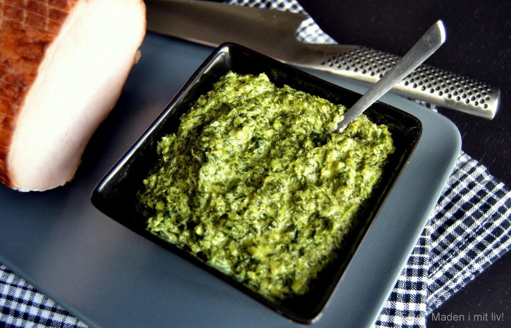 Lynhurtig grønlangkål og kogt hamburgerryg…