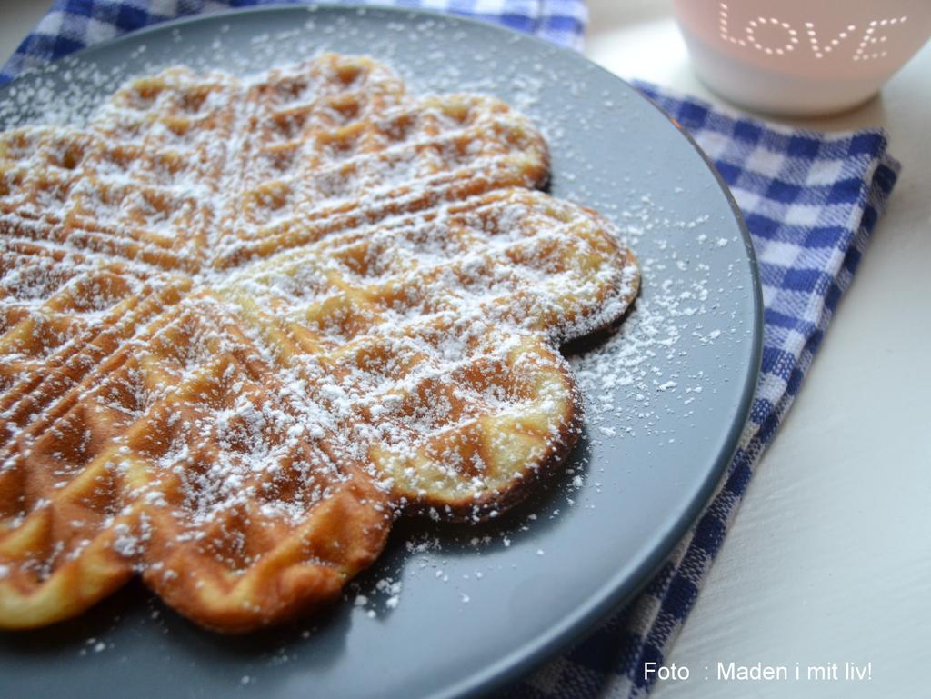 Vafler – min bedste opskrift på sprøde hjertevafler.