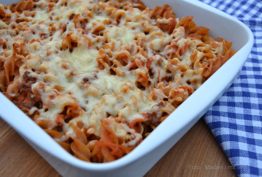 Ostegratineret spaghetti bolognaise – tip til restemad…