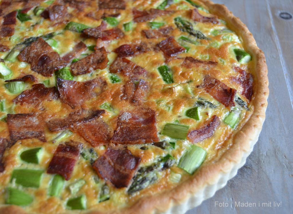 Lynhurtig tærte med asparges og bacon…