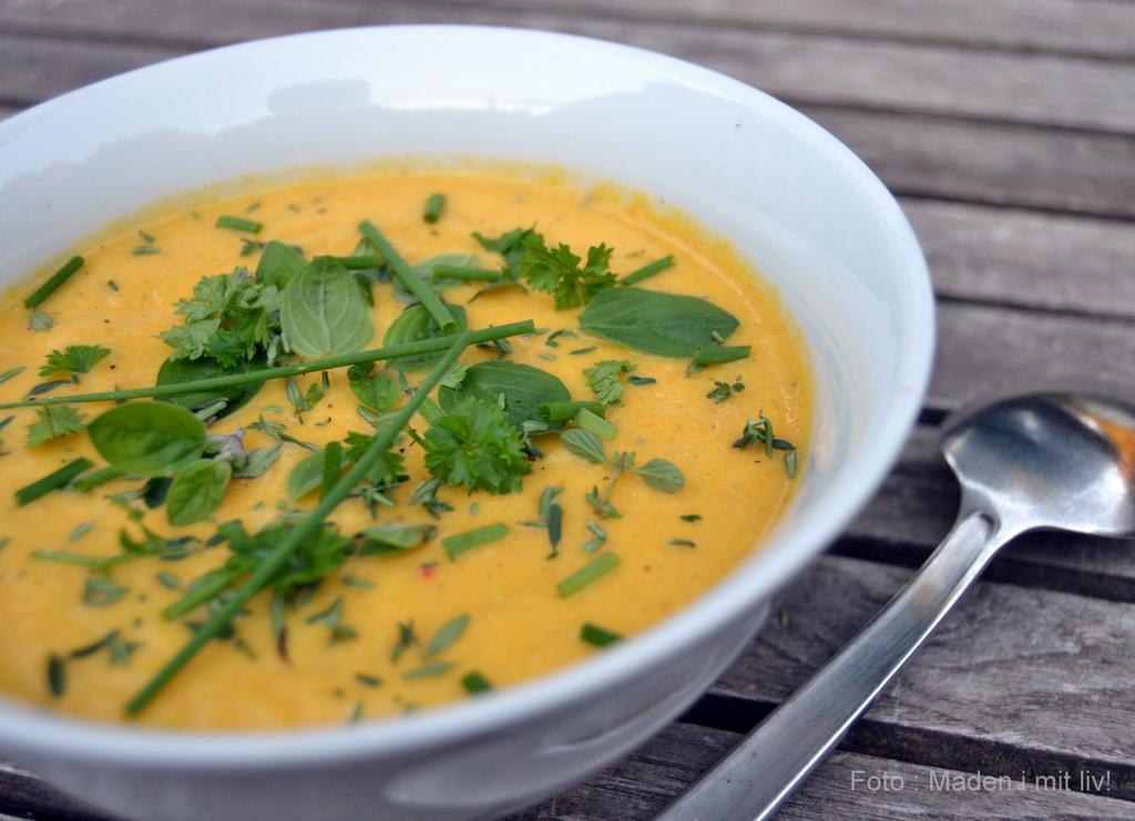 Gulerodssuppe med chili og appelsin…