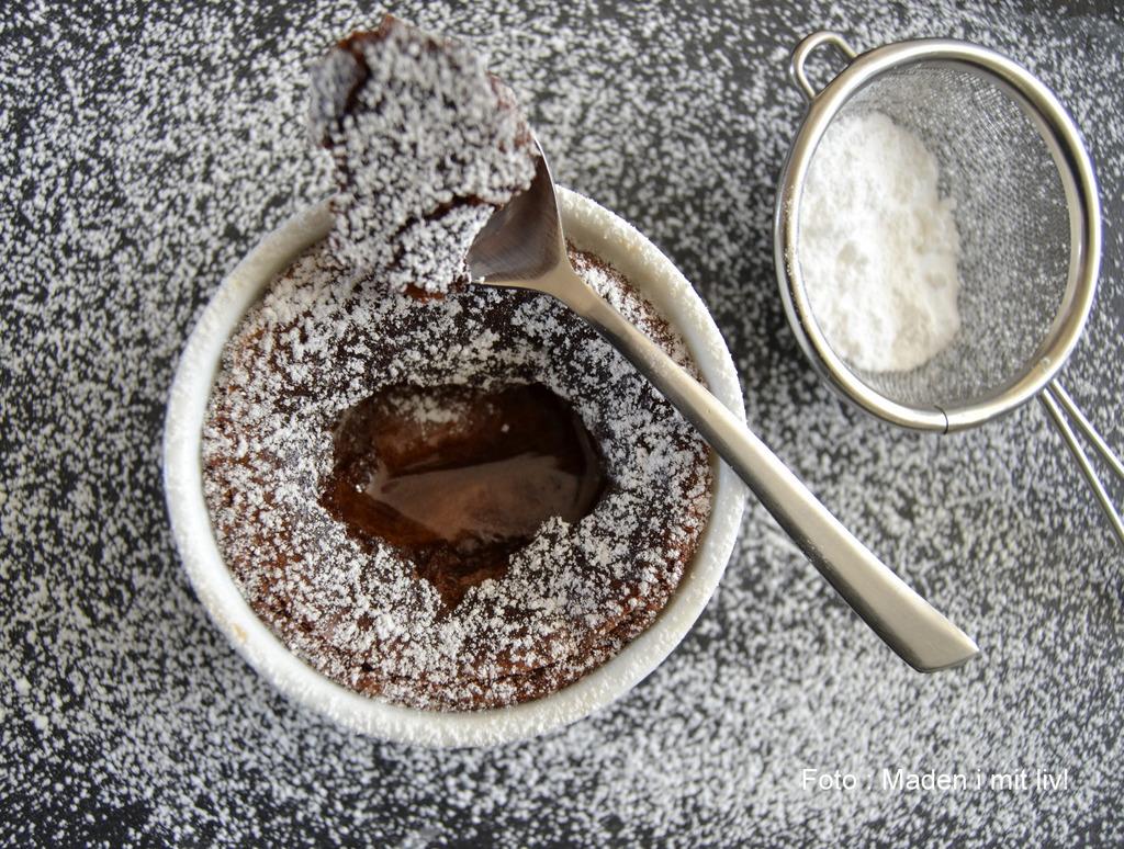 Små chokoladekager med flydende midte…