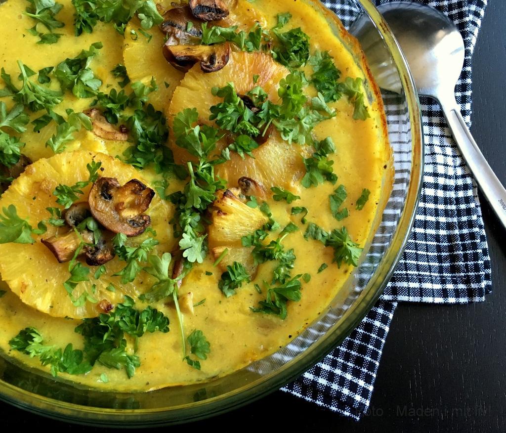Koteletter i fad med ananas og karry…