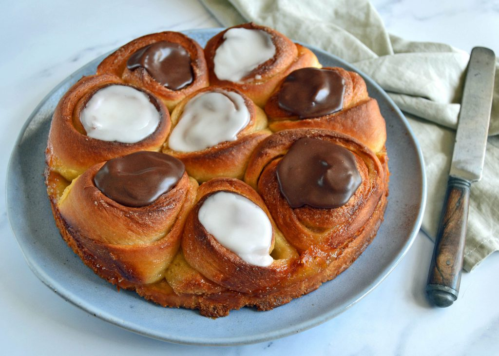 Smørkage med vaniljecreme og remonce.