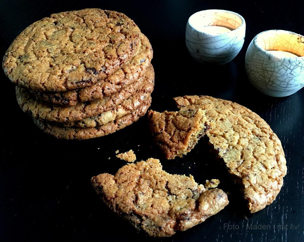 Lækre sprøde chocolate chip cookies…