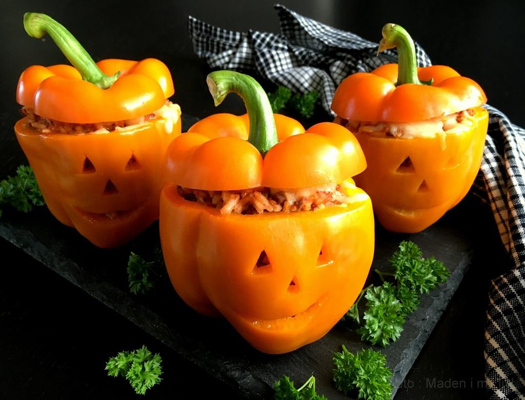 Fyldte peberfrugter i halloween humør…