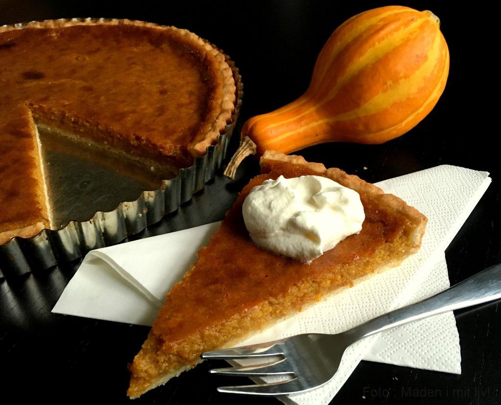Lækker krydret pumpkin pie (græskartærte)…