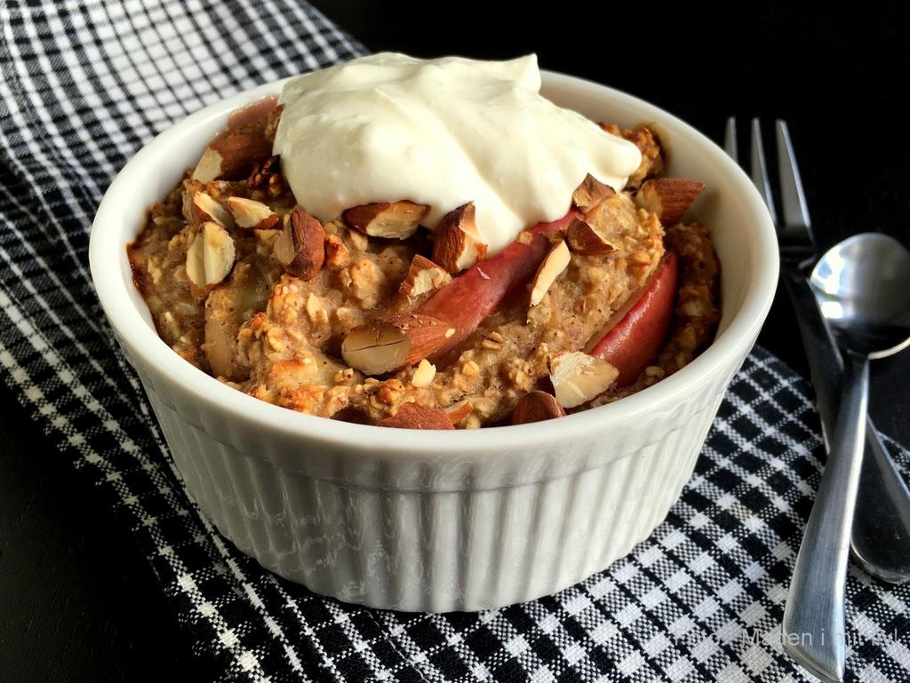 Morgenmads-crumble med æble og kanel…