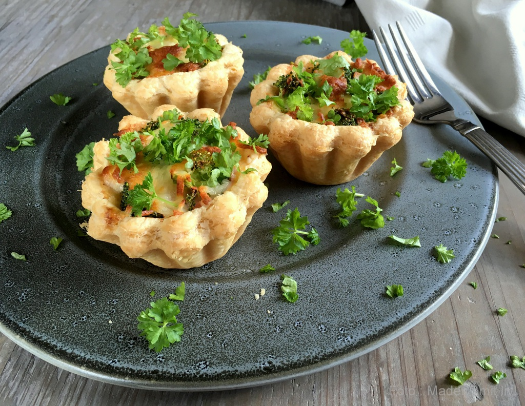 Mini broccolitærter i tarteletskaller…