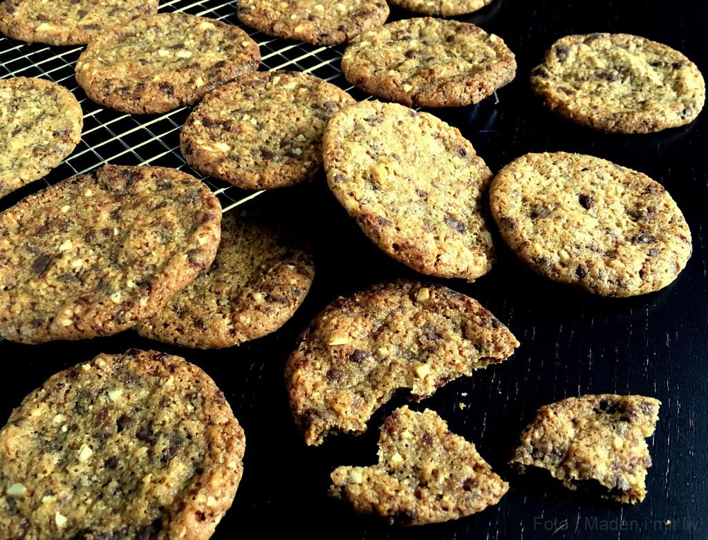 Skønne småkager med chokolade og mandler…