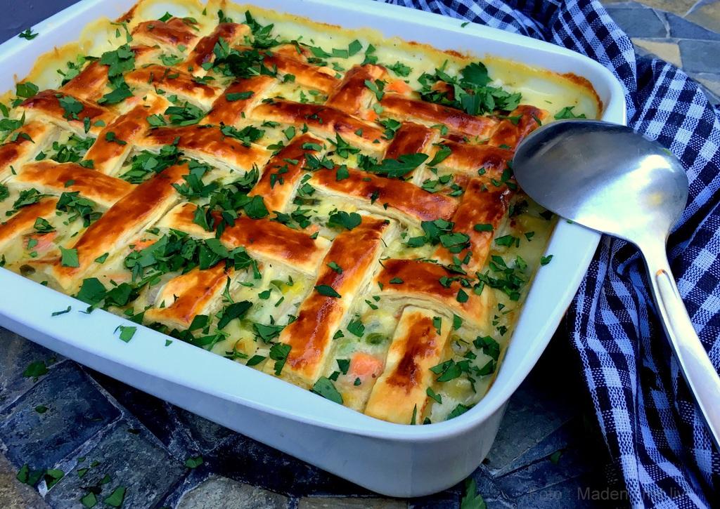 Lækker kyllingepie med forårsgrønt…