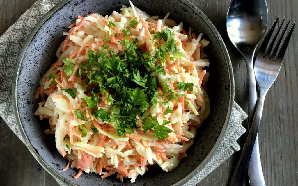 Hjemmelavet coleslaw – nem og lækker opskrift…