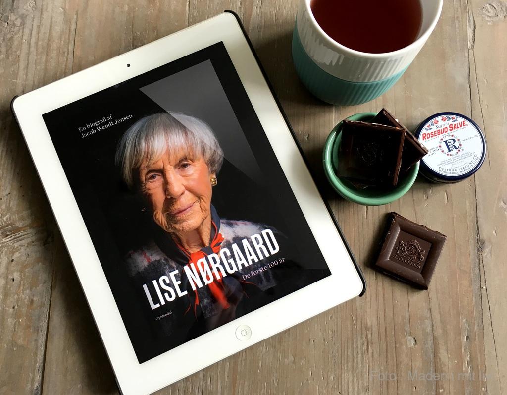 """Boganmeldelse af """"Lise Nørgaard. De første 100 år""""."""