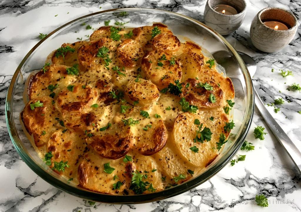 Flødekartofler med pikantost…