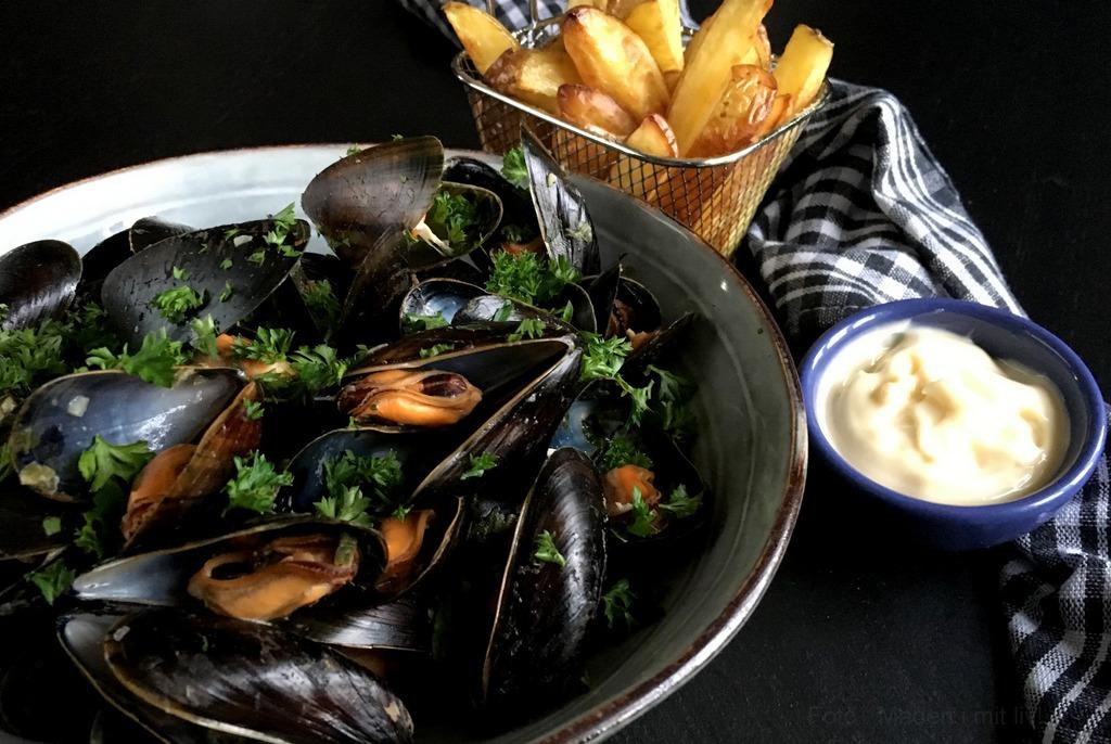 Moules frites – lækre muslinger med ovnfritter…