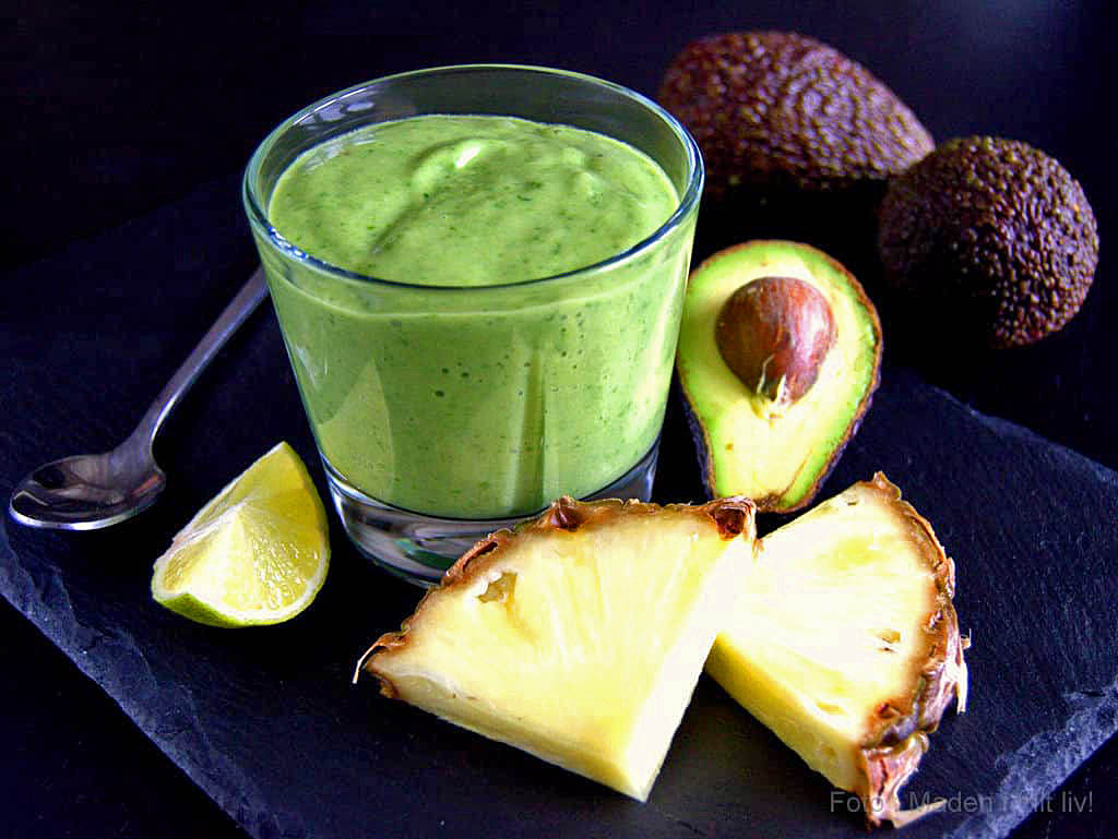 Grøn smoothie med avocado og spinat…