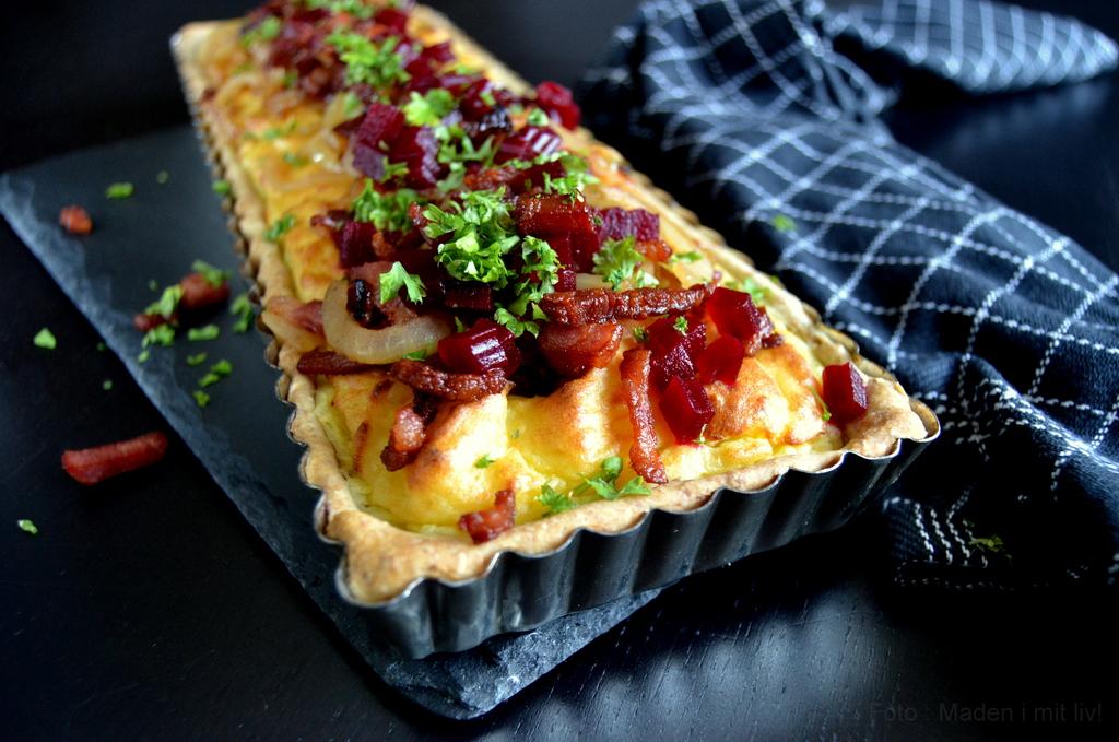 Kartoffeltærte med bacon og løg…