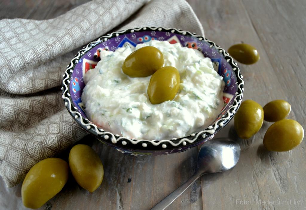 Tzatziki med feta og hvidløg…