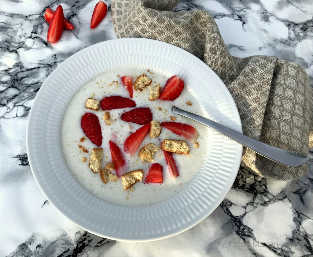Koldskål med tykmælk og æg…