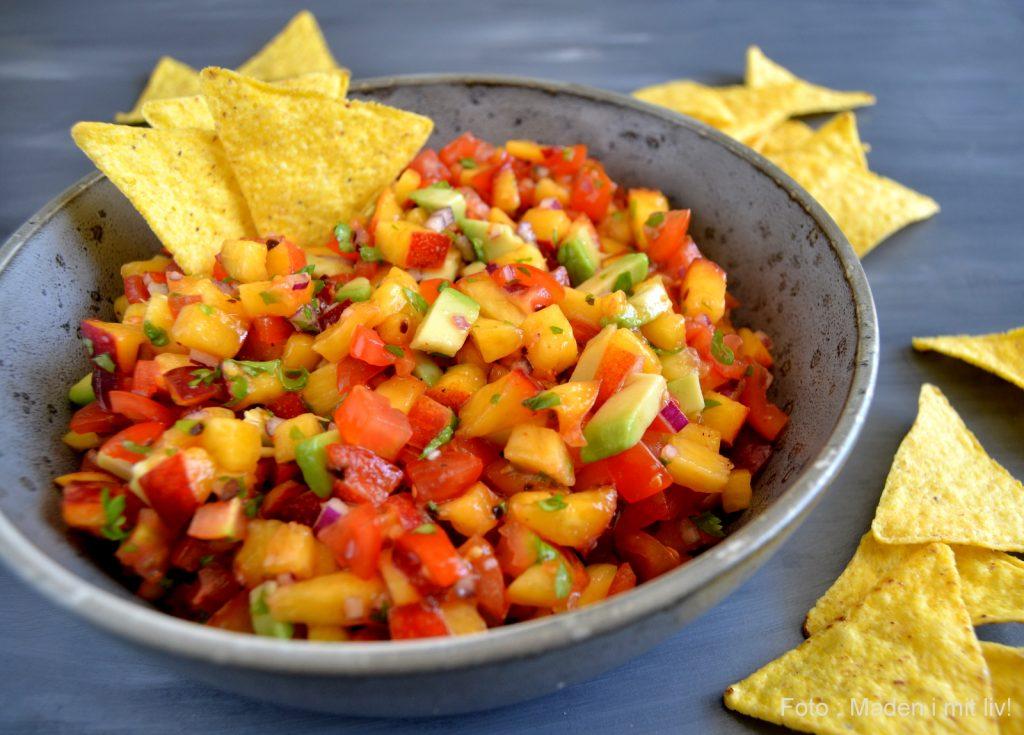 Salsa med nektariner, tomat og avocado…