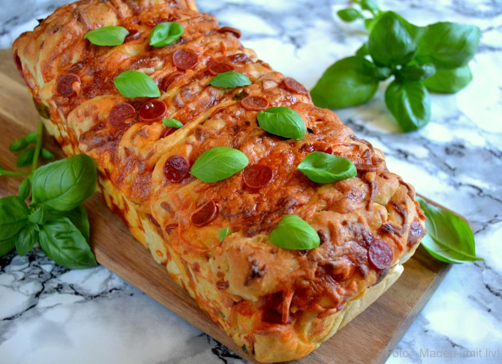Pull apart pizza brød med pepperoni…