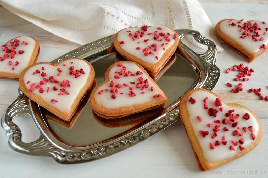 Hjertesnitter med hindbær…