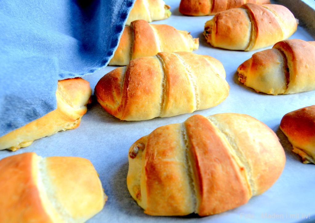 Horn med skinke og pikantost…