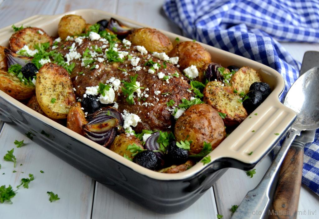 Græsk farsbrød og ristede kartofler…