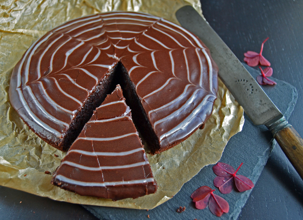 Chokoladekage med glasur…