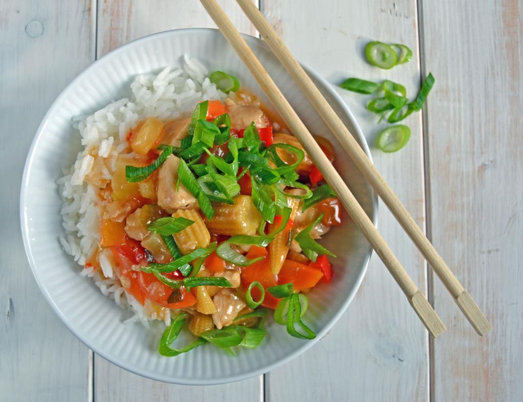 Kylling i sur-sød sauce med grønt…