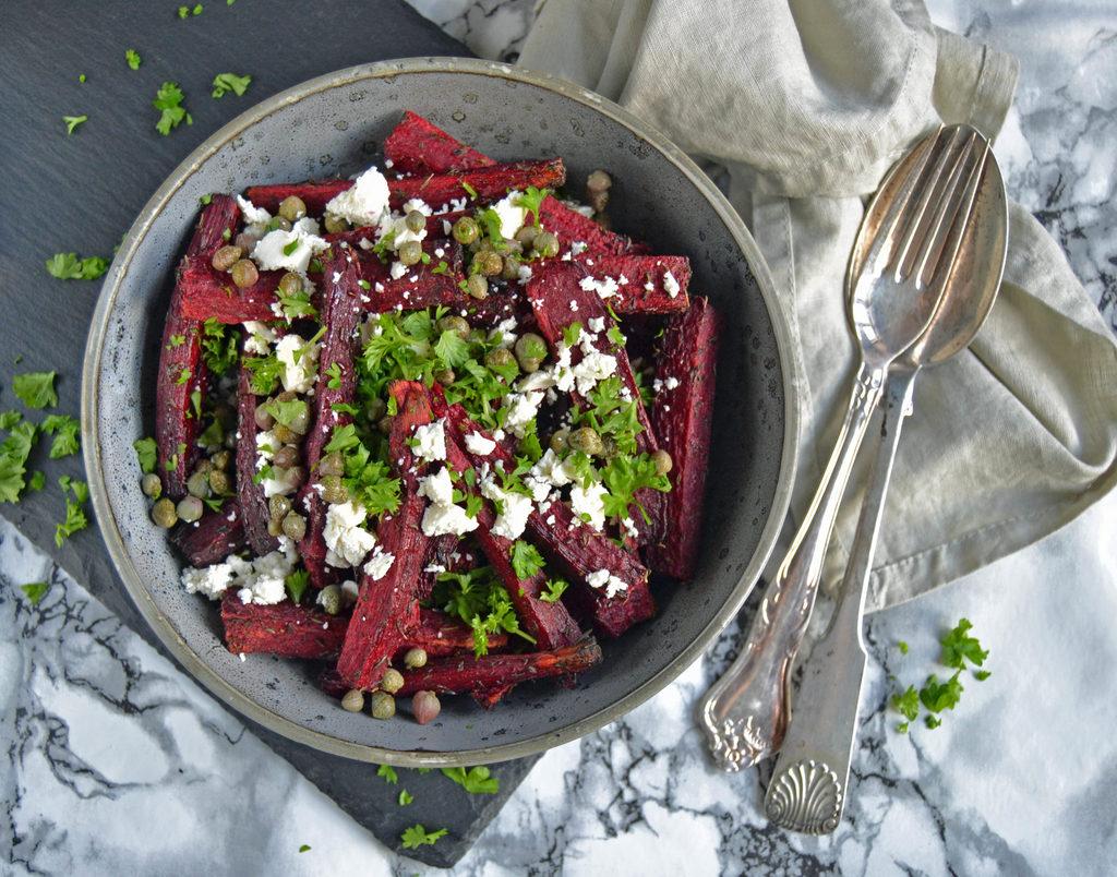 Bagte rødbeder med feta og kapers…