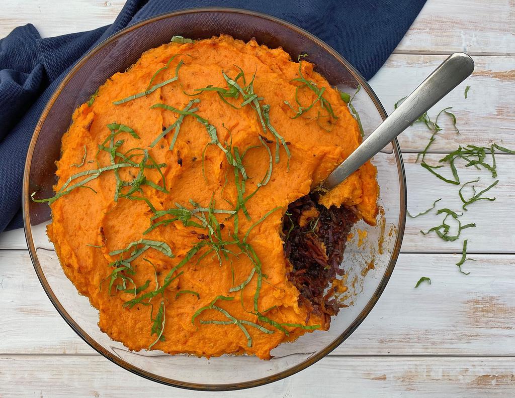 Oksekød i fad med sød kartoffelmos…