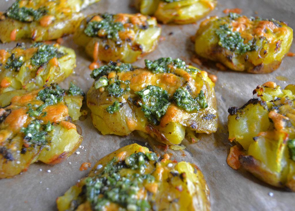 Knuste kartofler med pesto og ost…