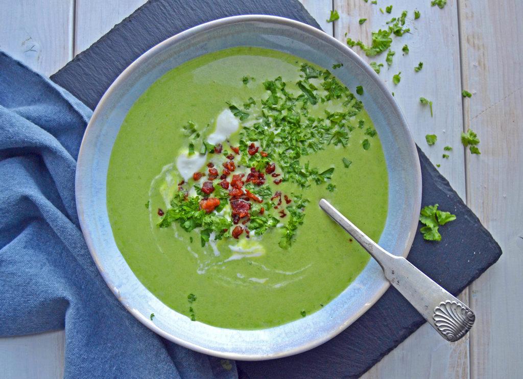 Grøn ærtesuppe med kartofler…