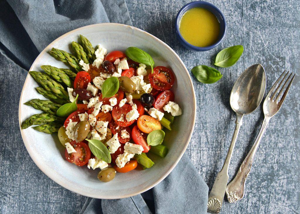 Asparges med tomater og feta…