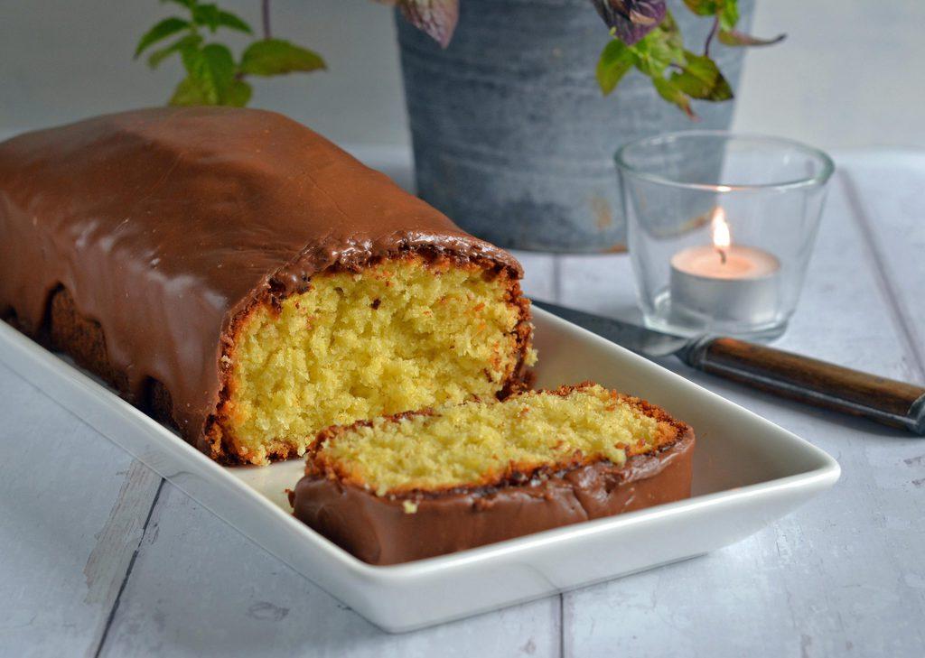 Bountykage – kokoskage med marabouglasur.