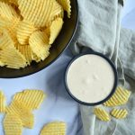 Hjemmelavet holiday dip med chips