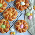 Påskeboller med påskeæg